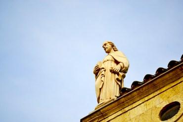 El gotic ret homenatge al patro de la ciutat en lemblematic Prioral de Sant Pere