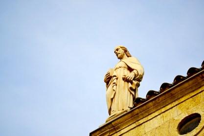 Escultura tejado Prioral Sant Pere Reus