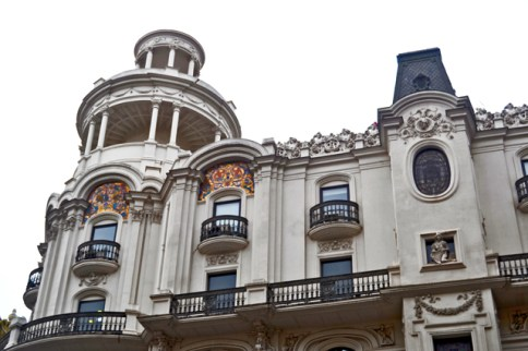 Balcones ventanas fachada Modernismo Gran Vía Madrid