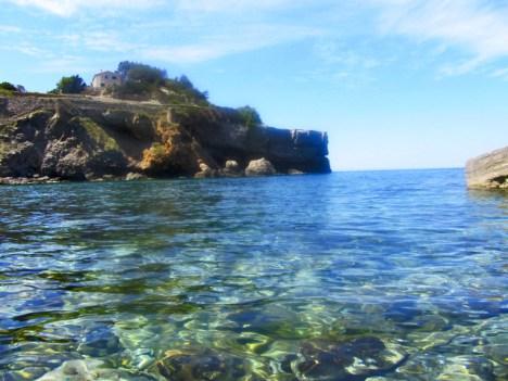 Cala aguas tranquilas Banyalbufar Mallorca