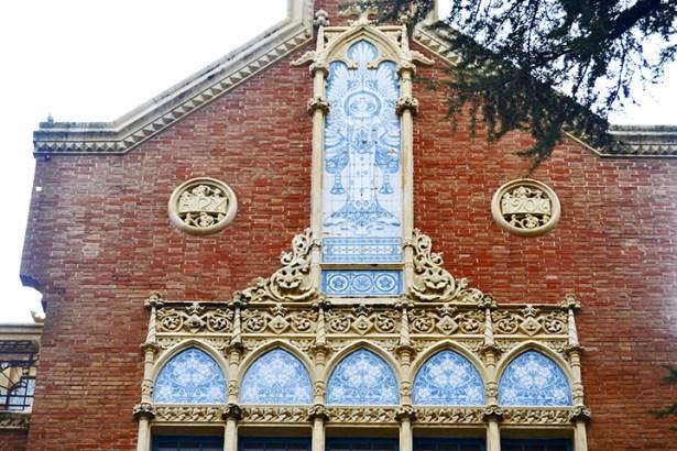 Fachada decoración Modernismo Institut Pere Matas Reus
