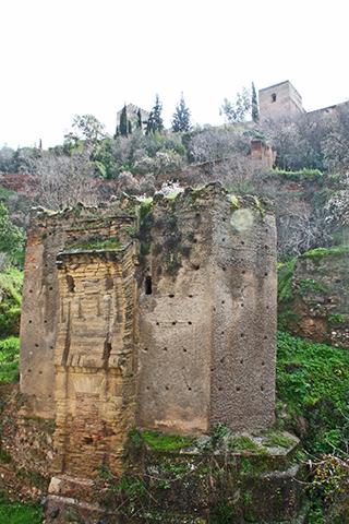 Entrada de Granada en el Paseo de los Tristes