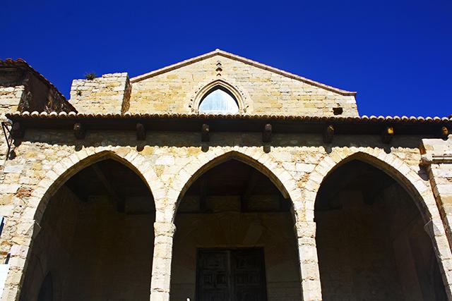 Entrada fachada Iglesia Santa Maria La Major Morella Castellón