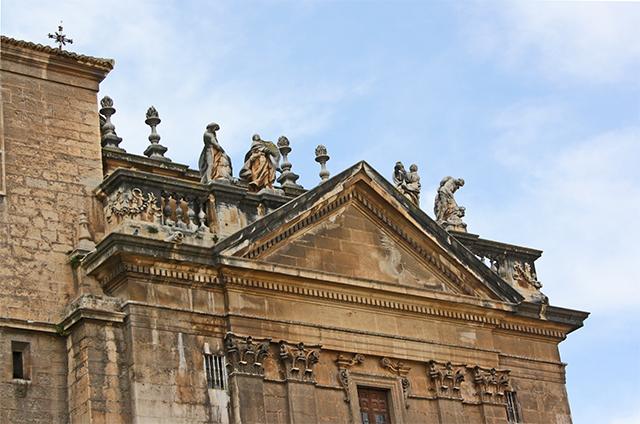 Esculturas Barroco friso Catedral Jaén