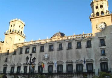 Fachada neoclásica siglo XVIII Ayuntamiento Alicante