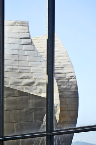 Vistas formas metal interior Museo Guggenheim Frank Gehry