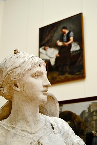 Escultura mujer cuadro Museo Bellas Artes París