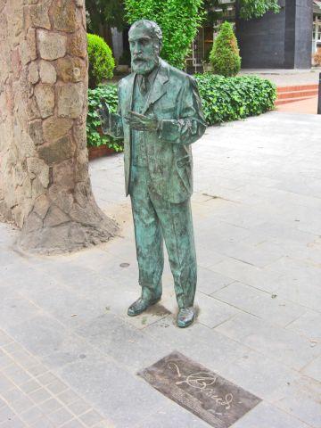 Escultura Gaudí Finca Miralles Pedralbes Barcelona