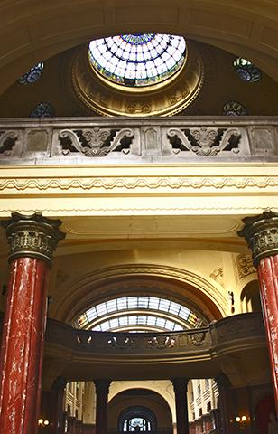 Cúpula columnas Balneario Gellért Budapest