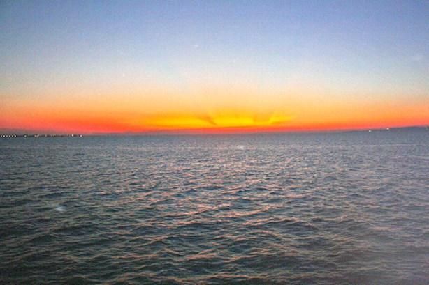 Puesta de sol mar mármara Bursa Turquía