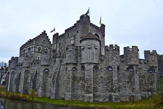 Castillo muralla Het Gravensteen Gante