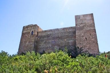 Impressionant castell de Forna a lAtzuvia conquistat als musulmans per Jaume I
