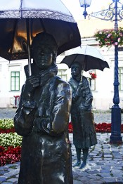 Esculturas paraguas Varga Imre Gyüjtemény Budapest