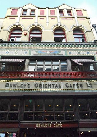 Fachada comercial Café Bewley's Oriental Grafton St Dublín