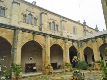 Claustro interior Catedral Baeza