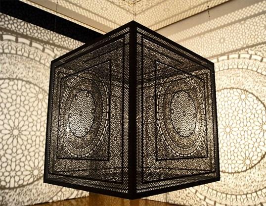 Caja simetría líneas suspensión aire Museo Arte Contemporáneo Valladolid