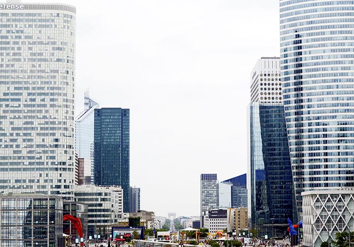 Rascacielos plaza La Défense Campos Elíseos Arco de Triunfo París