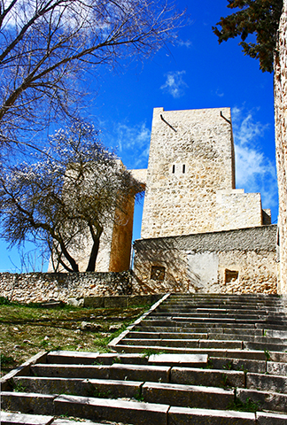 La Torre Albarrana configura la muralla de la ciudad