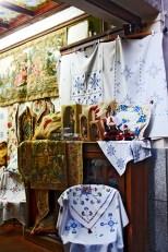 Labores Lagartera escaparate tienda centro histórico Toledo