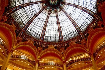 Bóveda cúpula decoración tiendas Galerías Lafayette París