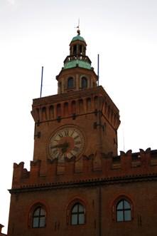 Torre reloj Palazzo Comunale XIV Bolonia