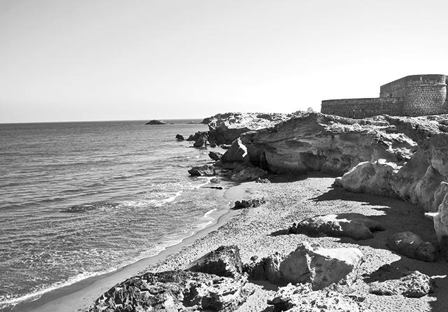 Playas escolleras dunas Castillo San Felipe Cabo de Gata Almería blanco y negro