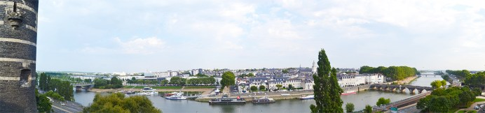 Panorámica vistas río Maine castillo Angers Francia
