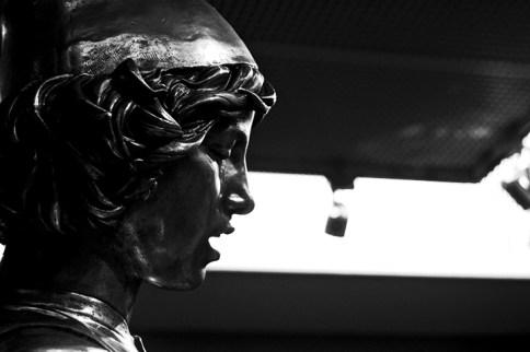 Rostro perfil escultura Museo de Orsay París blanco y negro