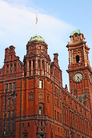 Edificio rojizo Palace Theatre Oxford Street Manchester