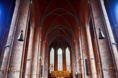 Majestatisch und hellen Innenraum des Marktes Kirche