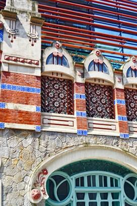Modernismoa eragiten Castanyos