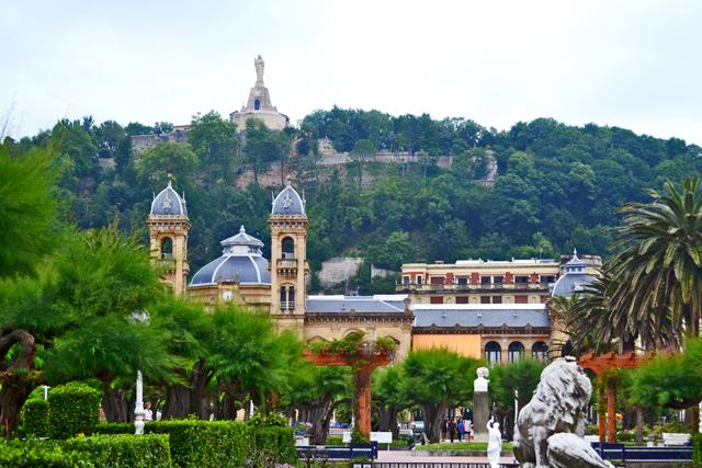 Vistas escultura Jesús Monte Urgull Ayuntamiento San Sebastián Donosti