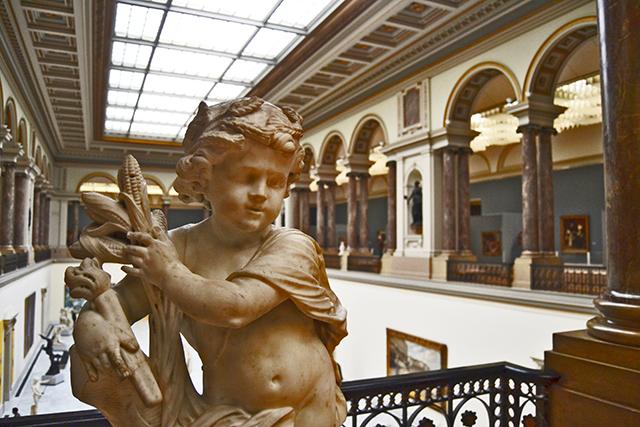 Ángel Museo Real de Bellas Artes y Museo de Arte Antiguo Bruselas