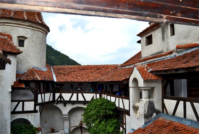 Patio interior tejados Castillo Bran Dracula