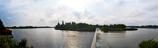 Puente cruzar Monasterio Snagov isla tumba Drácula Rumanía