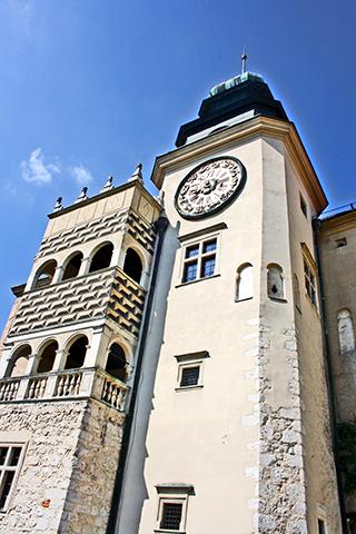 Fachada torre Castillo Pieskowa Skała Parque Nacional Ojców Cracovia Polonia