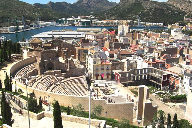 Panoramica de la ciudad cartagenera desde lo alto del Castillo de la Concepcion