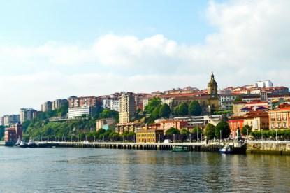 Detalles orilla ría Bilbao Portugalete Getxo casco histórico Bizkaia