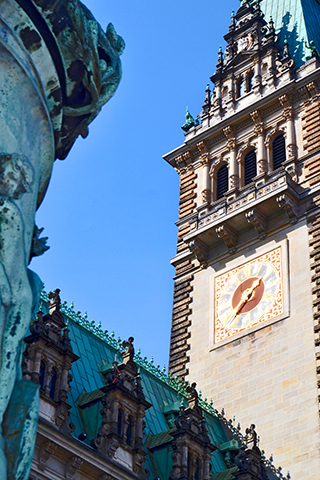 Torre reloj decoración barroco ayuntamiento Hamburgo