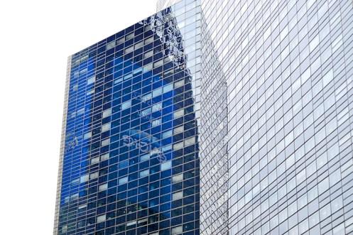 Reflejos cristales rascacielos oficinas La Défense París