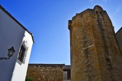 Torre restos muralla piedra ciudad Úbeda Jaén
