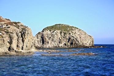 Rocas islotes playa Rodalquilar Cabo de Gata Almería