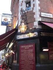 Fachada Shakespeare's Head pub West End Londres