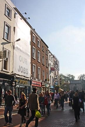 Calle comercial tiendas Grafton Street Dublín