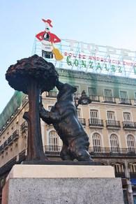 Oso madroño escultura letrero Tío Pepe Puerta del Sol Madrid