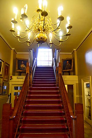 Escañleras interior ayuntamiento Stratford-Upon-Avon