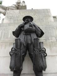 Escultura soldado Memorial II Guerra Mundial Londres