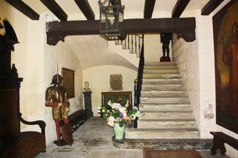 Solemnidad y elegancia en la entrada a una de las casas senyoriales oriolanas