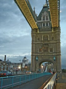 Vistas Tower Bridge atardecer Londres