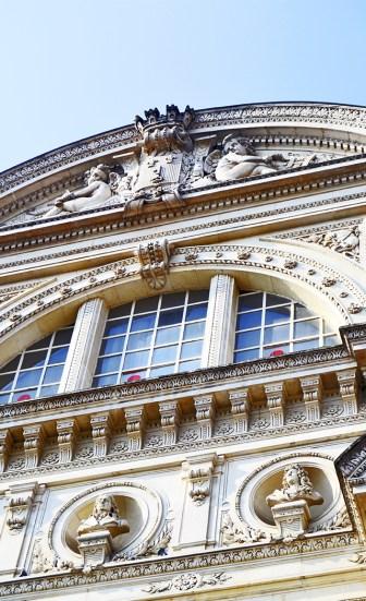 Decoración esculturas fachada Teatro Angers Plaza Ralliement